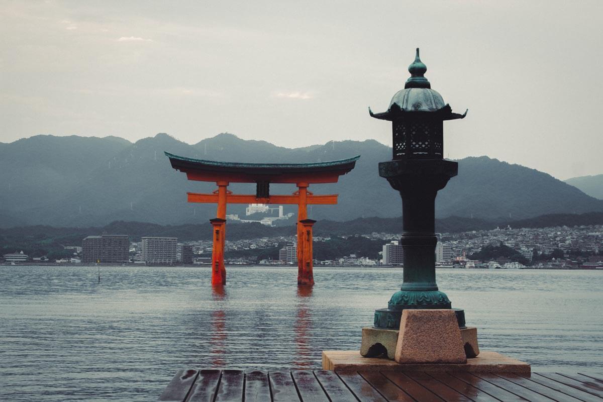 Itsukushima-Shrine-Torii-2